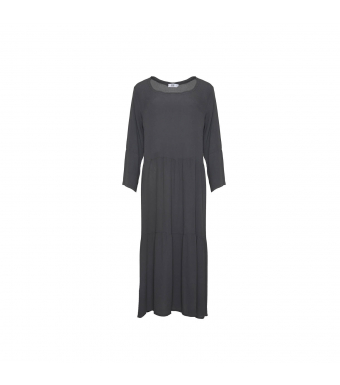 Front af mørkegrå lang viskose kjole fra Tiffany