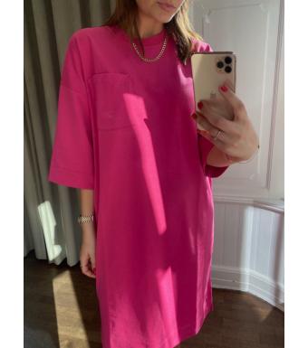 Ganni T2919 Relaxed T-shirt Dress Software Jersey, 483 Shocking Pink