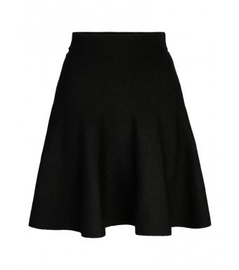 Front af sort nederdel